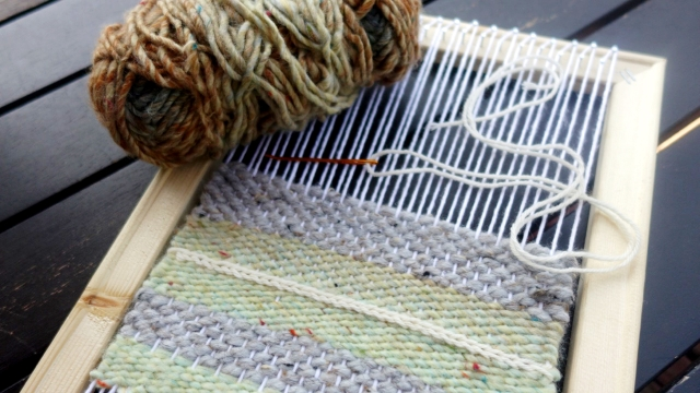 DIY weaving loom by The Incurable Homebody